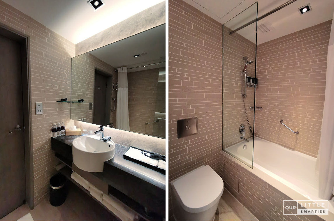 Four Points by Sheraton Singapore, Riverview Bathroom