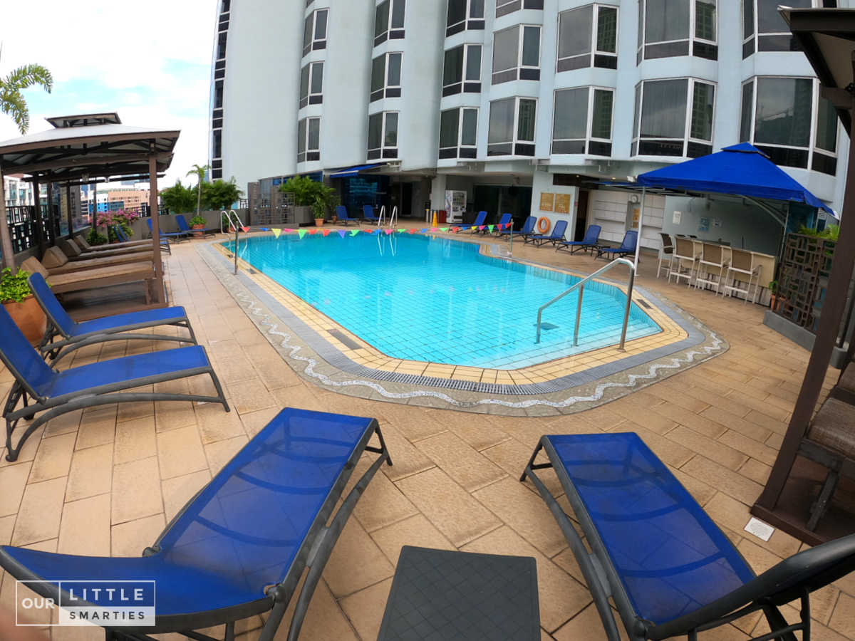 Four Points by Sheraton Singapore, Riverview Swimming Pool