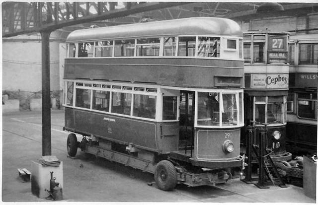 Leeds trams No's. 290 & 18 - dated Apr 1949