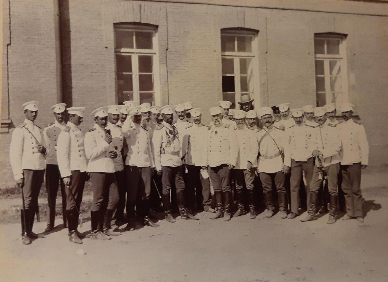 19. Группа офицеров 44-го драгунского Нижегородского полка