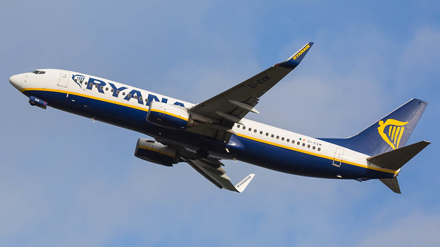 EI-EVM - Ryanair 738 @ Cardiff Airport 16/11/20