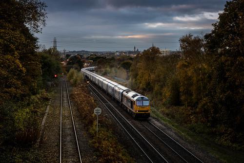 60021 penyghent wakefield oakenshaw lane railway train biomass liverpool drax 6e10