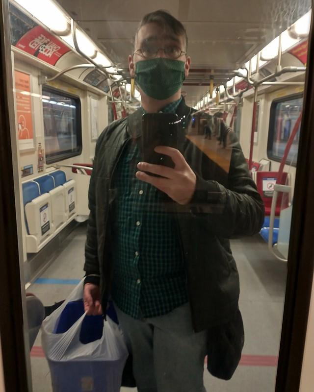 Mirrored and green #toronto #blooryonge #subway #mirror #me #selfie #green