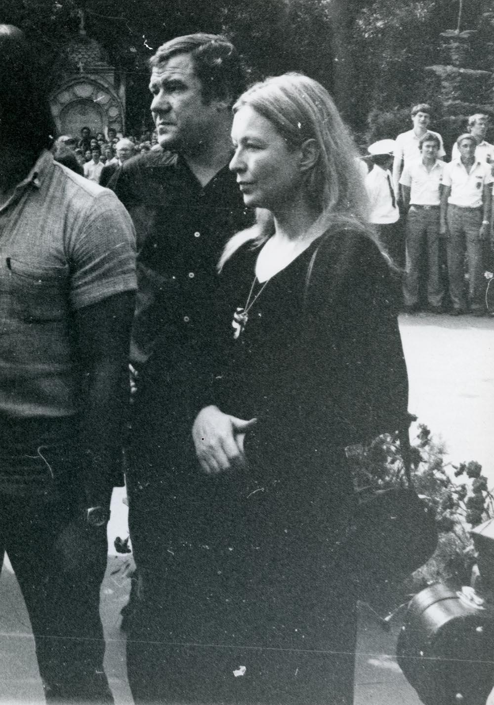 1980. Похороны Владимира Высоцкого. ул. Чкалова (Земляной вал). 28 июля (6)