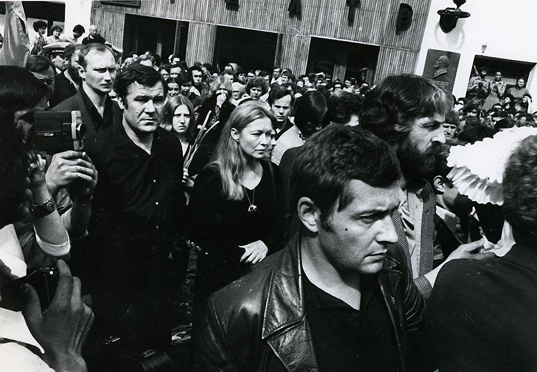 1980. Похороны Владимира Высоцкого. ул. Чкалова (Земляной вал). 28 июля (5)
