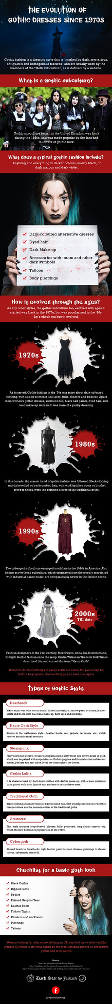 Know more About Womens Gothic Dresses and Its Origin {Infographic}