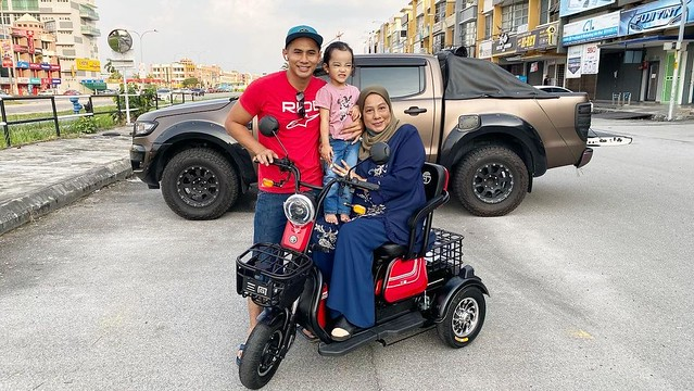 Tangguh Beli iPhone 12 & PS5, Fizo Omar Belikan Skuter Elektrik Untuk Ibu
