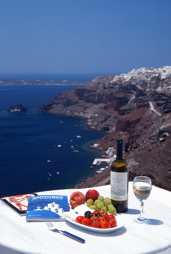 Greece makes a fabulous holiday destination for food lovers. Here Culinary Travels has prepared a guide that will aid you in your choices of food souvenirs