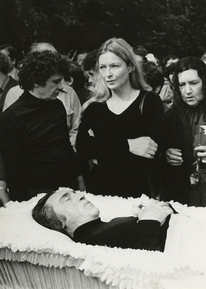 1980. Похороны Владимира Высоцкого. ул. Чкалова (Земляной вал). 28 июля (4.)