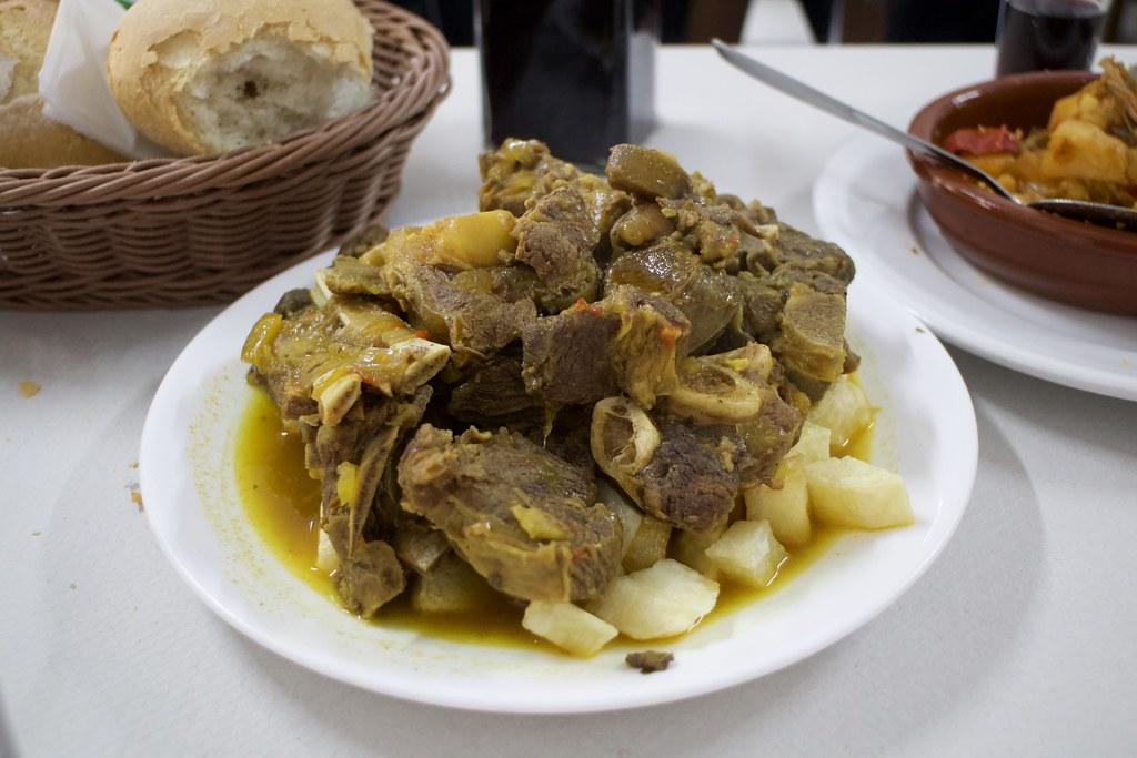 Plato de carne de cabra en Tenerife
