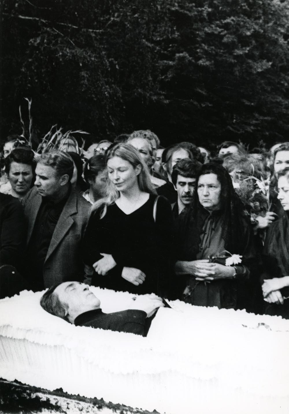 1980. Похороны Владимира Высоцкого. ул. Чкалова (Земляной вал). 28 июля (4)
