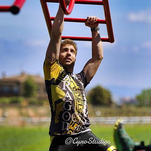 Pablo durante una carrera de obstáculos