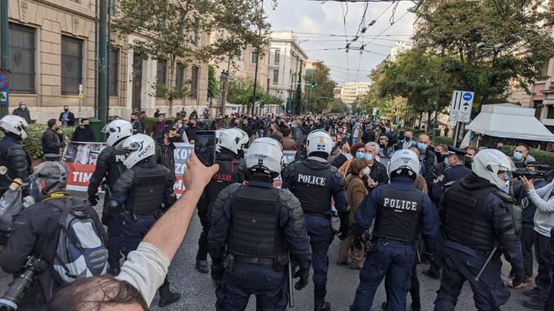 17 November [Repression]