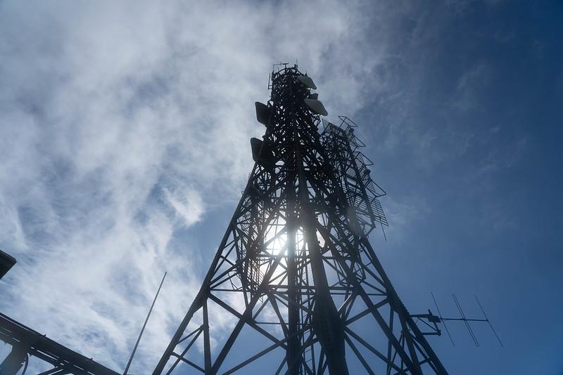 於茂登岳のNHK鉄塔