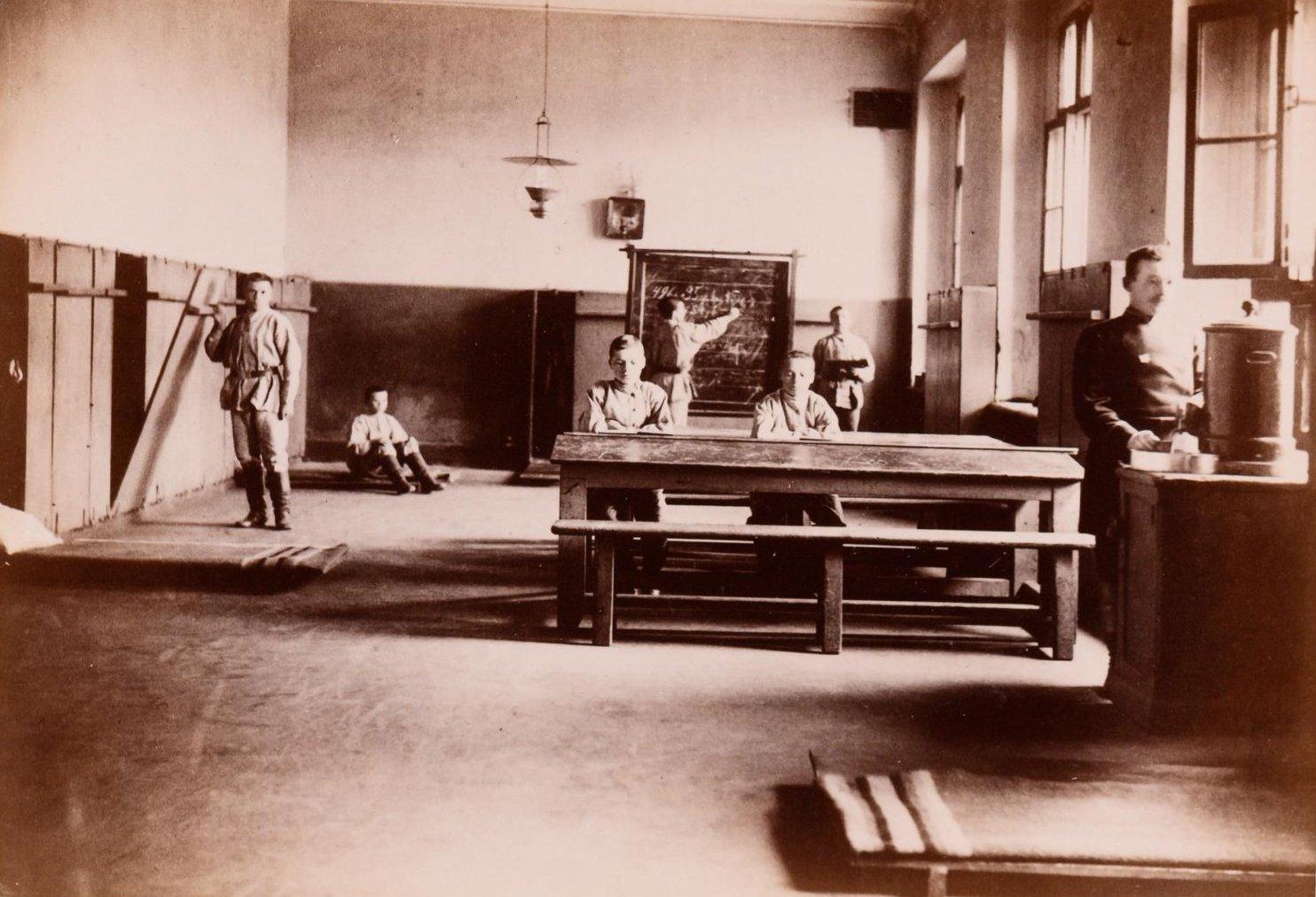 05. Внутренний вид одного из помещений для воспитанников Рукавишниковского исправительного приюта