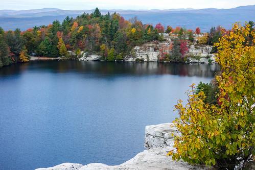 lakeminnewaska minnewaskalake shawangunk autumn blue bluesky colors green mountains red water