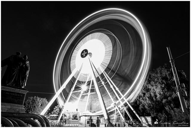 Spinning - Geneva Big Wheel 2019 - NZ6_2309 b&w
