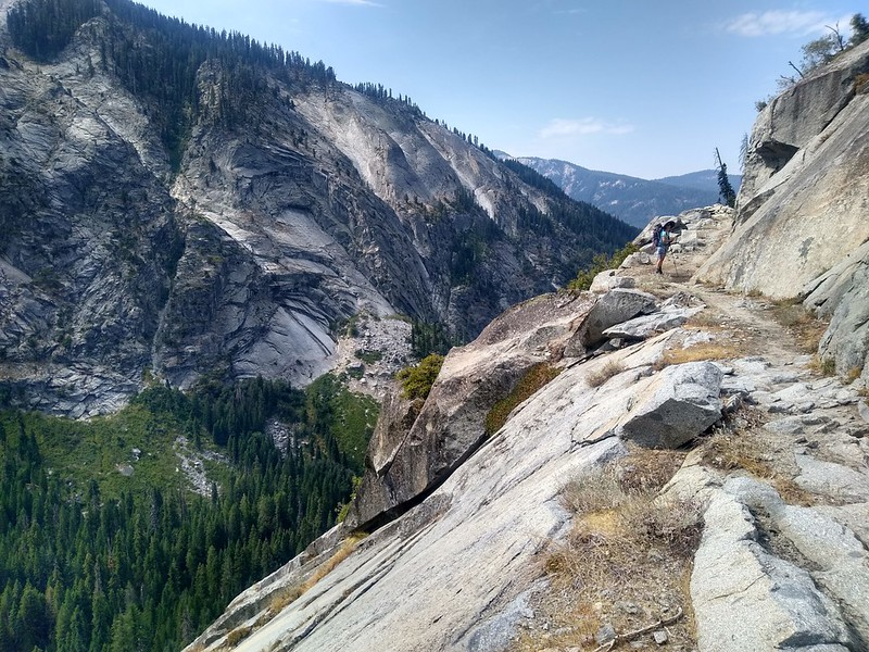 Hiking west above the Middle Fork Kaweah River Valley on the High Sierra Trail