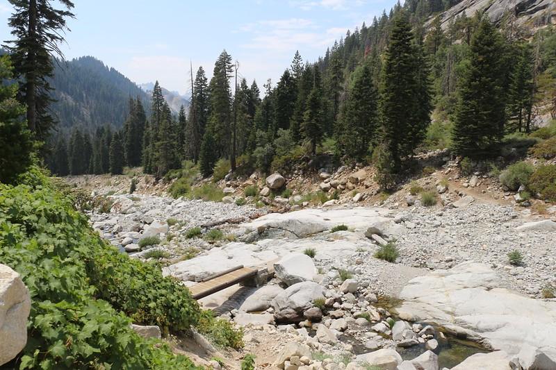 Buck Creek and the footbridge on the High Sierra Trail