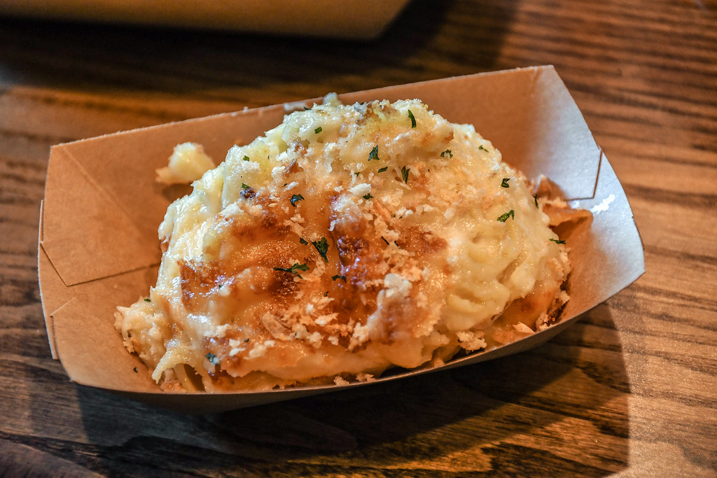 Regal Eagle Smokehouse Mac and cheese Epcot