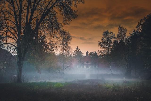 die alte Heilstätte - Jetzt wird es Nacht