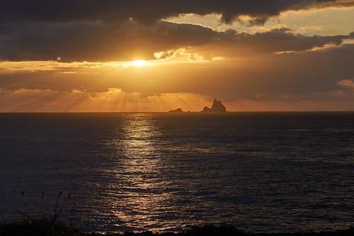 三本岳に沈む夕日
