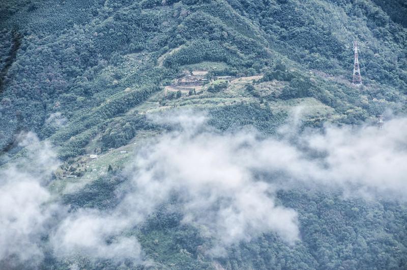 南大龜山山頂東南俯瞰鹿山農場