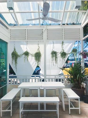 เดอะแอร์พอร์ทคาเฟ่ The Airport Cafe Halal Restaurant ถลาง ภูเก็ต