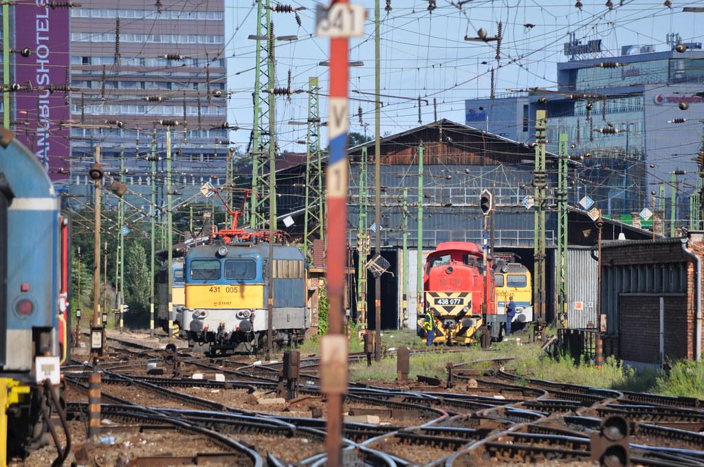 431 005-2, 438 077-7 & 433 245-2 (H-MÁVTR) Budapest-Keleti Depot 2014 08 24 by ChrisDPom