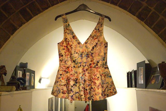 DSC_7949 Petticoat Lane Sunday Street Market Fashion Top waiting for a Model Shoreditch Studio London