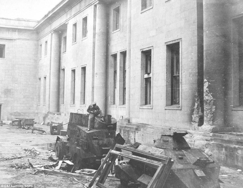 Daimler-DZVR-Reich-Chancellery-1945-dml-1
