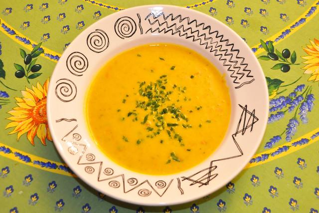 November 2020 ... Fleischlos glücklich ... Hokkaido-Kürbissuppe ... Brigitte Stolle