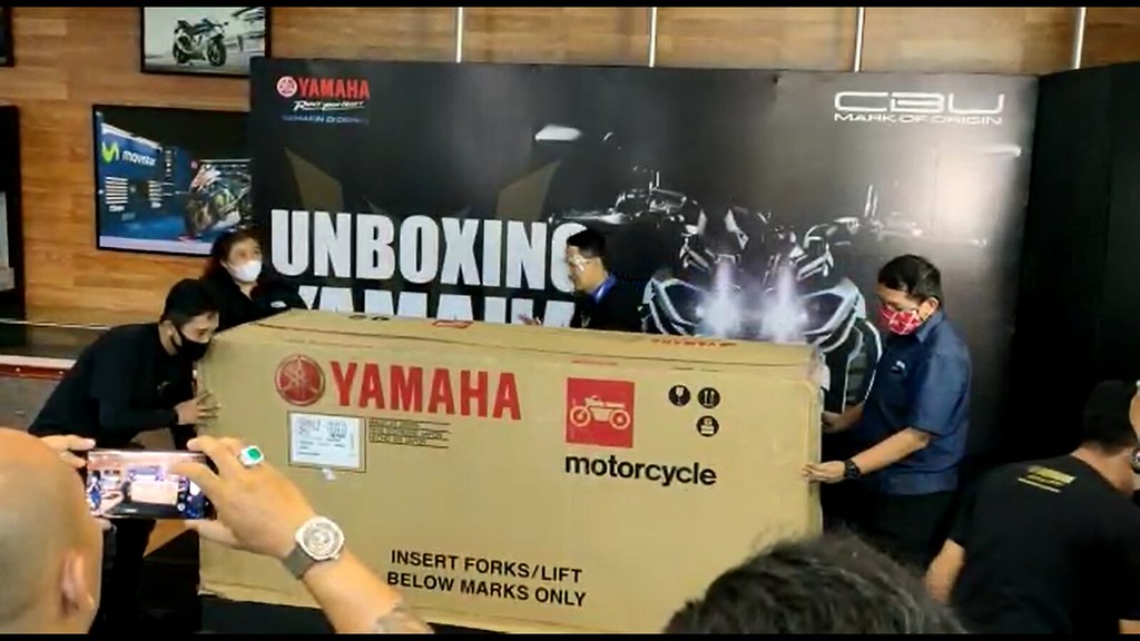 Unboxing All New MT-09 Bali