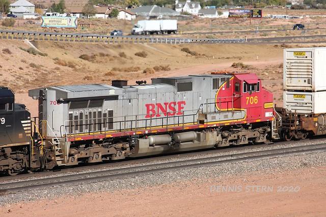 BNSF 706, WB, W. WINSLOW, AZ 10-19-2020