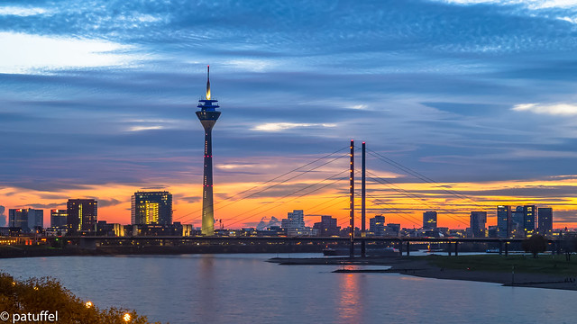 Dusseldorf Skyline - Sunset