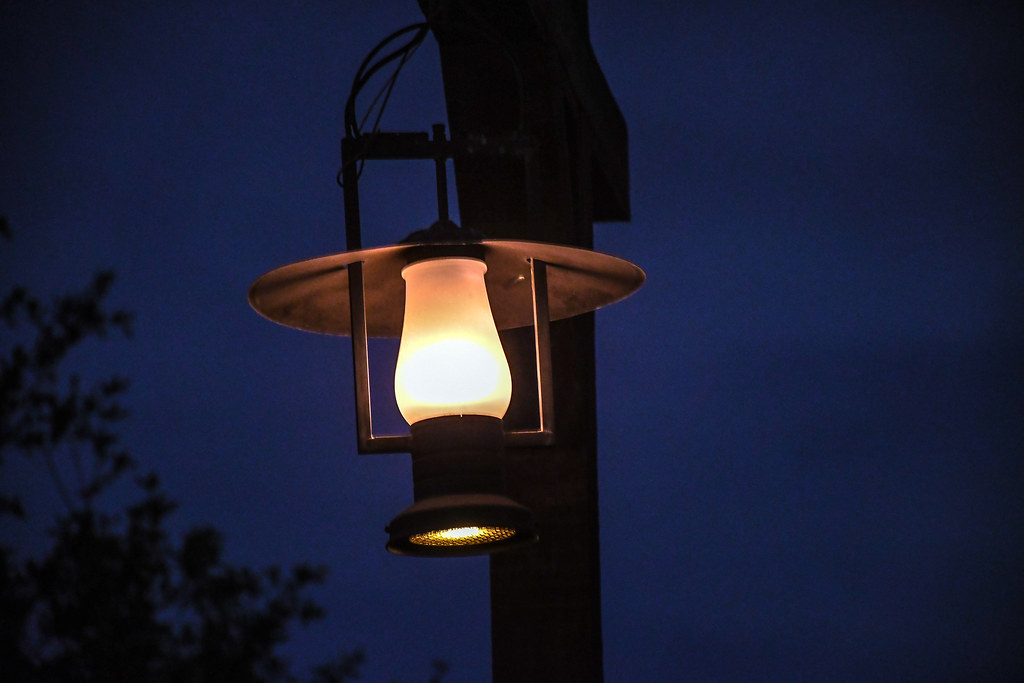 Lamp Frontierland night DL