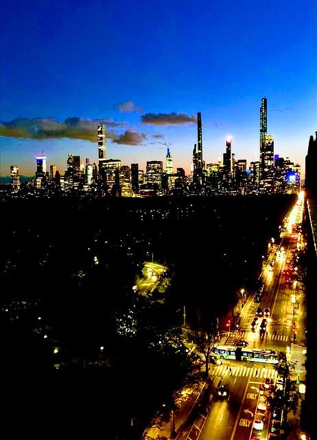 Night falls over Manhattan