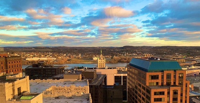 Late Afternoon Sun Splash on Eastern Albany
