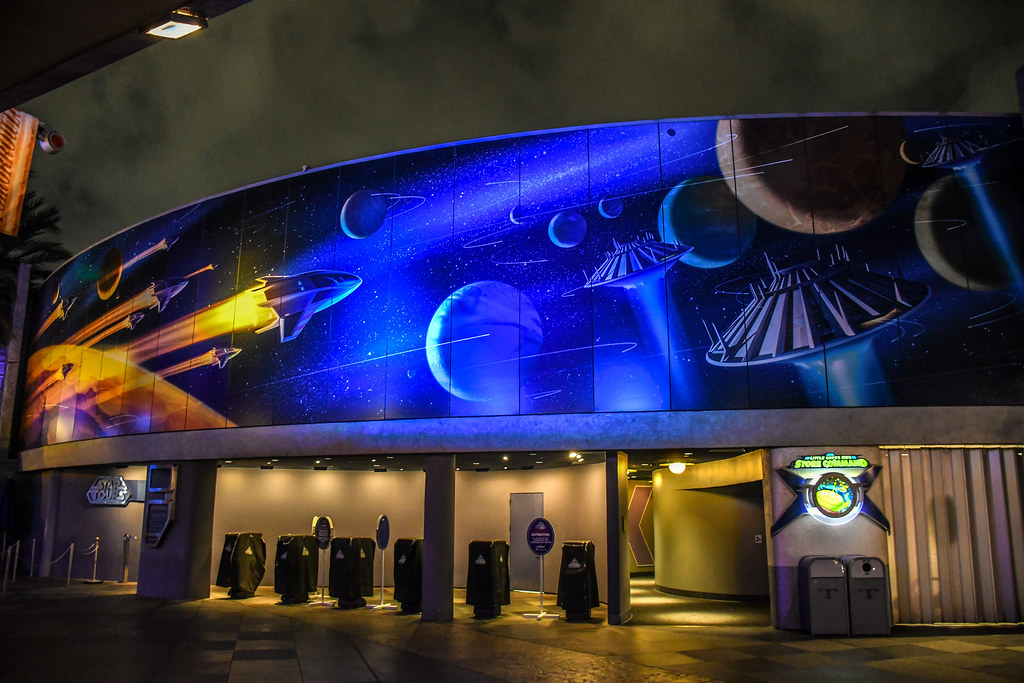 Tomorrowland mural Space Mountain DL