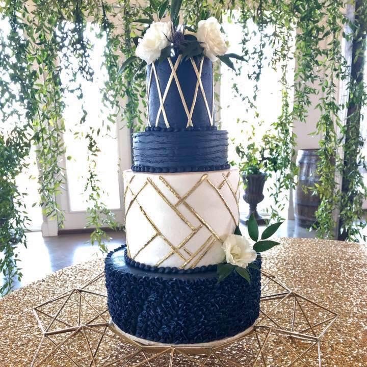 Cake by Lisa's Sweet Designs