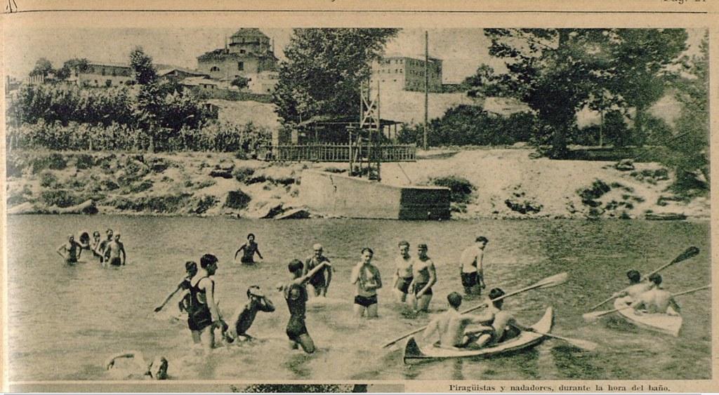 Miembros del Club Náutico de Toledo y del Club Milcar en las aguas del Tajo en la zona de Safont. Semanario gráfico As, 15 de julio de 1935.