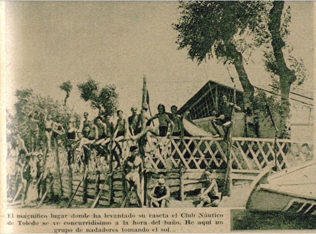 Miembros del Club Náutico de Toledo en sus instalaciones junto a la playa de Safont. Semanario gráfico As, 15 de julio de 1935.