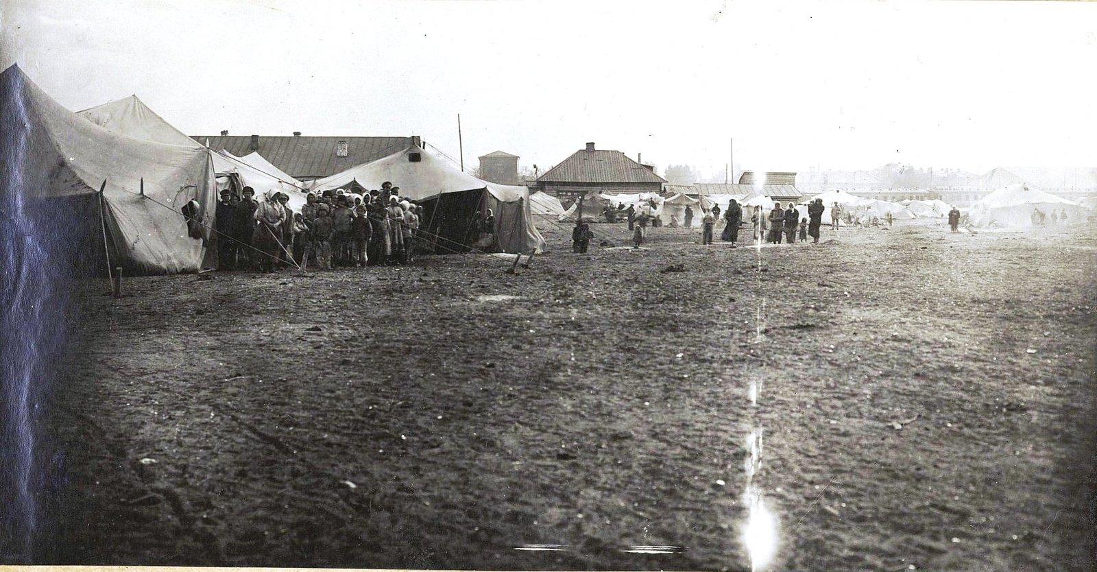 26. Палатки «Воотбазэвака» в лагере беженцев. Самарская губерния, Самара1