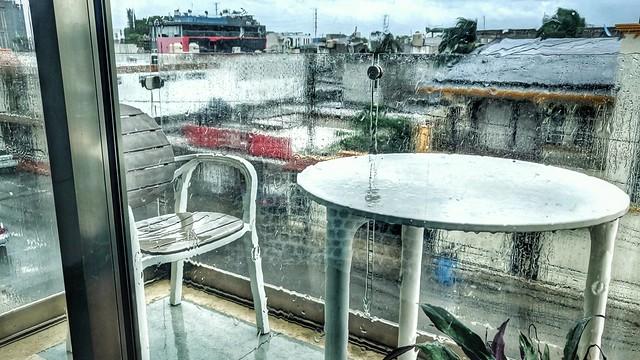 Rain in PdC: 28°C. Rain at Home: 05°C.
