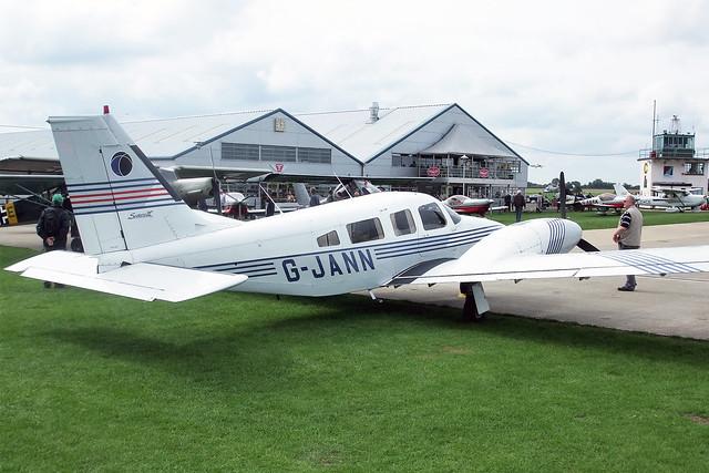 G-JANN  -  Piper PA-34-220T Seneca III c/n 34-33133  -  EGBK 4/9/10