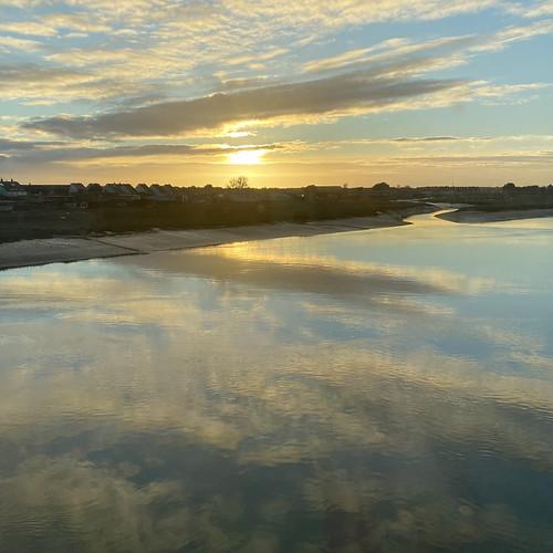 sunset sussex shoreham visualstorytelling riveradur iphonephotography iphone11 iphonephotographer chrisbarbaraarps findingchris clouds reflections