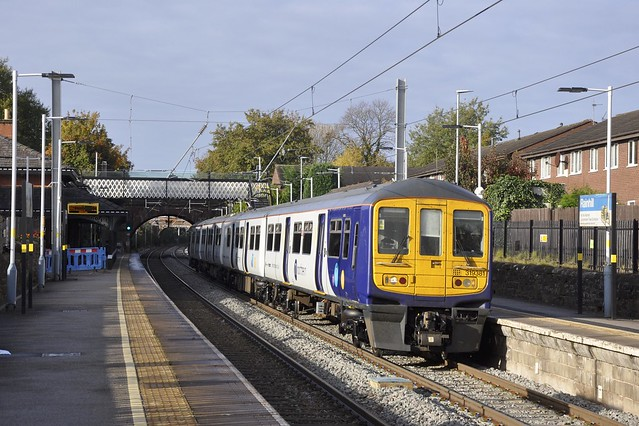319381 - Rainhill Station