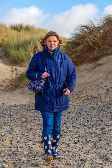 A brisk walk through the dunes to the beach