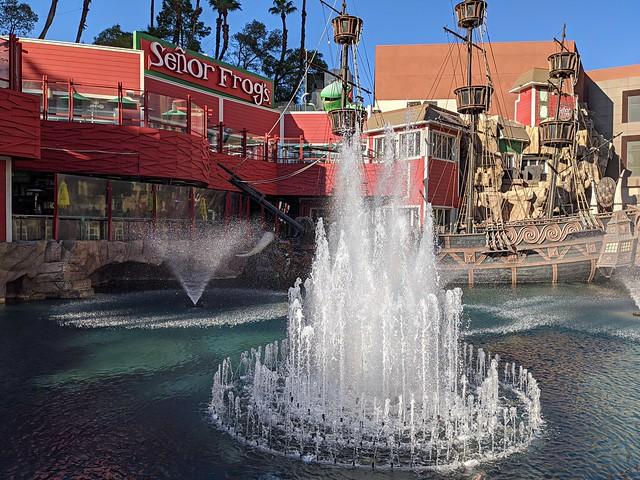 Exploring New Horizons — Dance Merengue and Mambo With Your Woman Here — Señor Frog's Cantina — Treasure Island Hotel & Casino — Coronavirus Las Vegas 2020