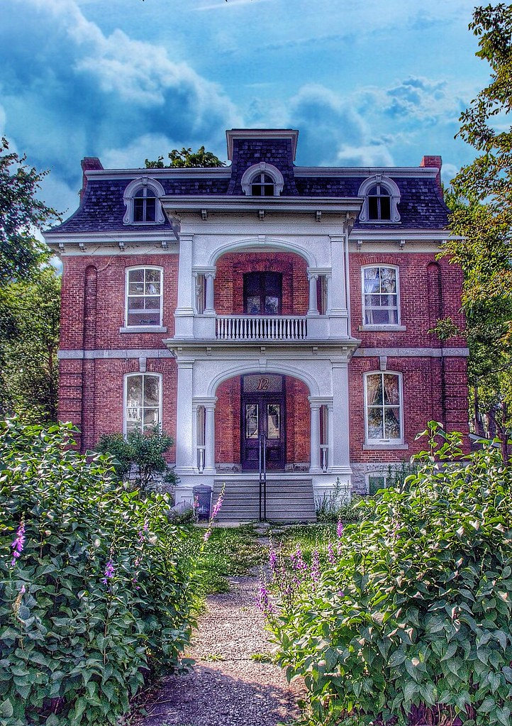 Kingston Ontario - Canada - 12 Wellington Street - Architecture Victorian